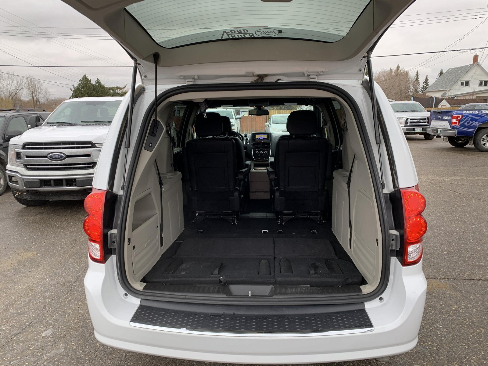2019 Dodge Grand Caravan SXT Premium Plus ON SALE !!
