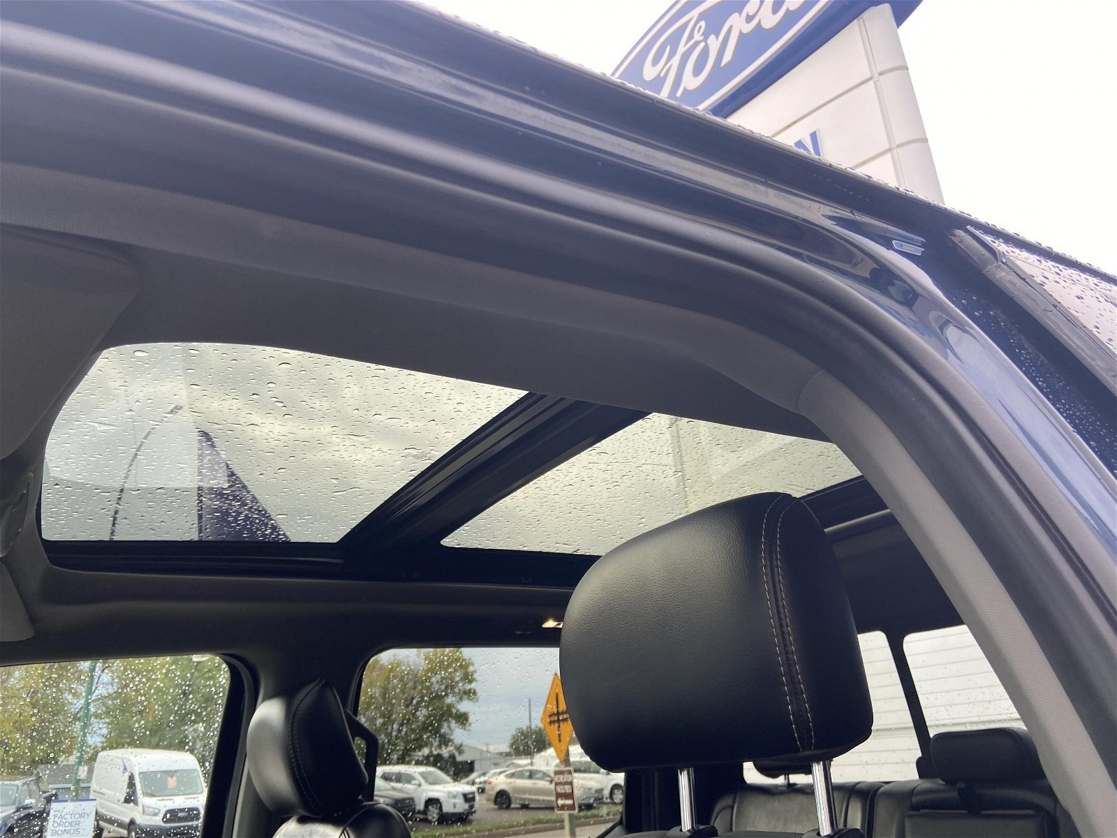 2019 Ford F-150 LARIAT Moonroof 502A package