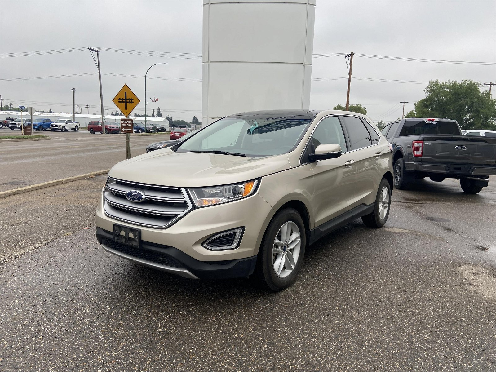 2018 Ford Edge SEL AWD Leather HTD wheel PWR gate