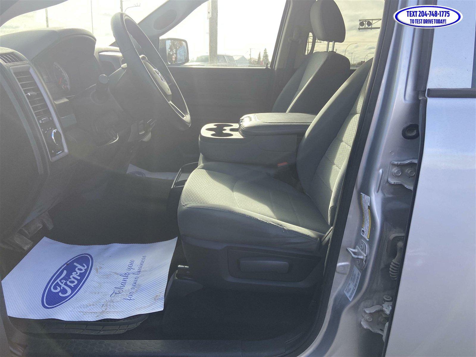 2015 Ram 1500 ST Crew Cab 4x4